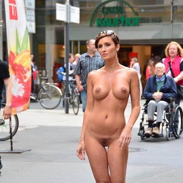Gabriela nude